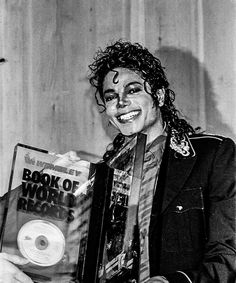 Michael Jackson One, Beautiful Inside And Out, Some Pictures, Mj, Singers, Lisa, Awards, Action, Internet