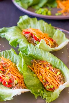 Vegan Asian Lettuce Wraps with Sweet Sriracha Sauce are quick, easy, healthy, delicious and made with an incredible unique filling! Autumn Recipes Vegetarian, Vegetarian Recipes Videos, Savory Pumpkin Recipes, High Protein Vegetarian Recipes, Healthy Snacks, Healthy Eating, Cooking Recipes, Healthy Recipes, Vegan Pumpkin