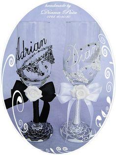 White Wedding Glasses.Price 25 €. / 27 $. http://handmadebydianapuiu.com/pahare-miri-nasi/