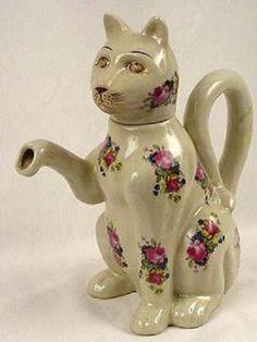 Cat with Roses Tea Pot