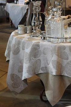 Pardi Butterfly Square Table Cloth