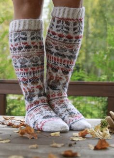 Knit Stockings, Stockings Legs, Knitting Wool, Knitting Socks, Mitten Gloves, Mittens, Sexy Socks, Wool Socks, Designer Socks