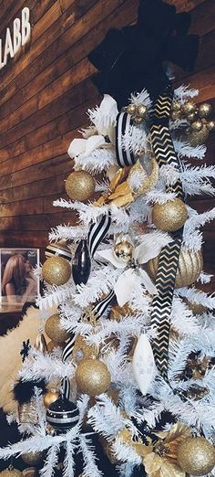 Black tree topper is a must. --- needs a bigger mix of metallics-- copper, rose gold, silver-- plus crystal accents. Rose Gold Christmas Tree, Silver Christmas Decorations, Christmas Tree Themes, Modern Christmas, Xmas Tree, Christmas Time, Holiday, Black White And Gold Christmas, At Least