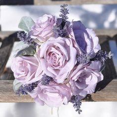 Lilac Wedding Themes, Purple Wedding Bouquets, Lavender Bouquet, Prom Flowers, Rose Wedding Bouquet, Lavender Flowers, Wedding Lavender, Wedding Ideas, Lavender Wedding Centerpieces