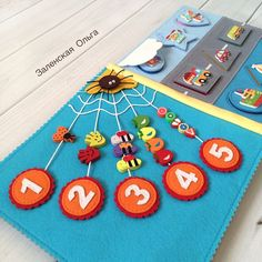 Spider web counting, take up 2 pages to count to 10 Diy Quiet Books, Baby Quiet Book, Felt Quiet Books, Baby Crafts, Felt Crafts, Diy And Crafts, Crafts For Kids, Quiet Book Templates, Quiet Book Patterns