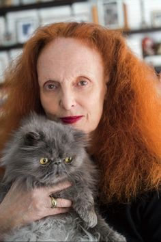 """Time spent with a cat is never wasted."" A Look Inside Grace Coddington's New York Apartment (the ultimate cat lady!!!)"