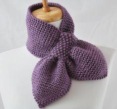 2014 Knitting & Crochet Ideas - Knitting Pattern Keyhole Scarf The Original Pull Knitting Stitches, Knitting Patterns Free, Free Knitting, Free Pattern, Scarf Patterns, Crochet Patterns, Diy Crafts Knitting, Knitting Projects, Moss Stitch