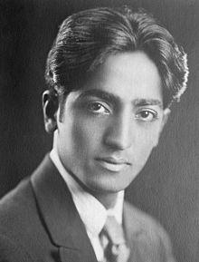 Jiddu Krishnamurti, escritor y orador en materia filosófica y espiritual indio-americano (1895-1986)