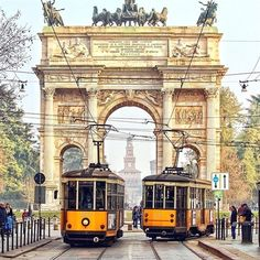 Discover our list of 7 best places in Italy? Check out these seven gorgeous Italian cities you must visit before you die. From Venice, Milan to Rome. Things To Do In Italy, Places In Italy, Places To Visit, Rome, Milan Travel, Bus Travel, Italy Pictures, S Bahn, Italy Travel Tips