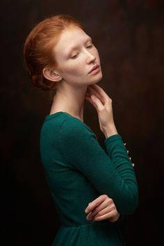 Original Portrait Photography by Vinogradov Alexander Dark Portrait, Pose Portrait, Portrait Studio, Art Photography Portrait, Portrait Pictures, Female Portrait, Female Photography, Digital Photography, Fine Art Photography