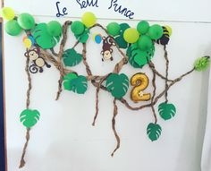 Hang monkeys by tails on vines Jungle Theme Parties, Jungle Theme Birthday, 2nd Birthday Party Themes, Jungle Party, Dinosaur Birthday Party, Safari Party, Kids Party Decorations, School Decorations, Animal Print Party