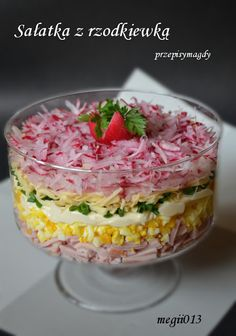 Przepisy Magdy: Sałatka warstwowa z rzodkiewką ham, corn, cheese, mayo, radishes? Easy Salad Recipes, Easy Salads, Cottage Cheese Salad, Comida Keto, Salad Dishes, Snacks Für Party, Polish Recipes, Dinner Salads, Food Porn