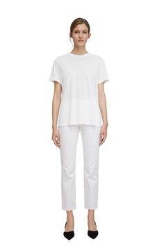 """<p style=""""text-align: justify;"""">Lightweight organic cotton affords a smooth and refined look to this essential round-neck T-shirt. A straight, regular fit,"""