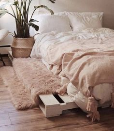 Mar 2020 - Cool DIY ideas for white pallet bed frames Ah, the elusive DIY pallet bed frame idea, it is minimalist and rustic with just a hint of farmhouse chic. A handmade pallet bed frame is just about as ea… Pallet Bed Frames, Diy Pallet Bed, Wood Pallet Beds, Bed Pallets, Diy Bed Frame, Pallet Sofa, Timber Frames, Room Ideas Bedroom, Bedroom Decor