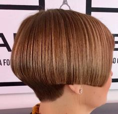 Short Stacked Bobs, Stacked Bob Hairstyles, Bowl Cut, Cut My Hair, Short Hair Styles, Women Short Hair, Haircuts, Women, Shaved Nape