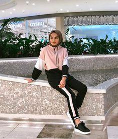 Modest Fashion Hijab, Pakistani Fashion Casual, Modern Hijab Fashion, Casual Hijab Outfit, Muslim Fashion, Fashion Outfits, Ootd Hijab, Sports Hijab, Hijab Trends