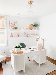 Mesa Home Office, Cozy Home Office, Home Office Setup, Guest Room Office, Home Office Organization, Home Office Desks, Office Ideas, White Desk Home Office, White Desk Setup