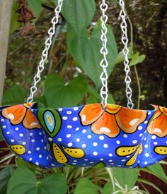 Recycled Melted Record Hanging Basket Painted in the Mexican Talavera Style - Bird Feeder, Fruit or Veggie Basket or Planter Cd Crafts, Upcycled Crafts, Vinyl Crafts, Crafts To Do, Beach Crafts, Vinyl Record Projects, Vinyl Record Art, Vinyl Art, Records Diy