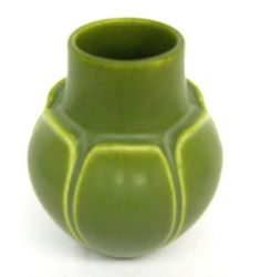 Google Image Result for http://www.myantiquemall.com/finepottery0004.jpg