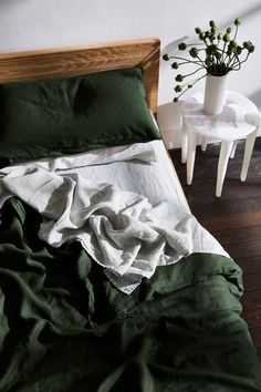 Olive Flax Linen Bedding Set - Rich, dark green bedding brings a stylish edge to any bedroom. Try our Olive linen bedding set to u - Green Bedding, Bedroom Green, Home Bedroom, Olive Bedroom, Dark Bedding, Dark Cozy Bedroom, Tuscan Bedroom, Bedrooms, Bedroom Inspo