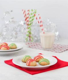 Are you looking for keto Christmas recipes for the holidays? Here are all the best keto recipes for your holiday menu - classic mains, side dishes, cocktail party treats, and shareable desserts - all gluten-free, paleo & low carb Christmas recipes! Ketogenic Diet Menu, Ketogenic Recipes, Diet Recipes, Recipes Dinner, Pasta Recipes, Crockpot Recipes, Soup Recipes, Vegetarian Recipes, Chicken Recipes