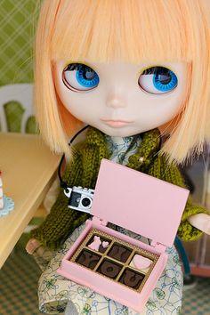 Blythe waits with camera and chocolates:)
