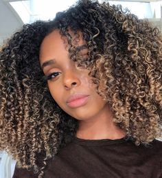 42 Curly Bob Hairstyles That Rock in 2019 - Style My Hairs Dyed Natural Hair, Natural Hair Tips, Natural Hair Inspiration, Natural Curls, Dyed Hair, Natural Hair Styles, Curly Weave Hairstyles, Curly Hair Styles, Hairstyles 2016