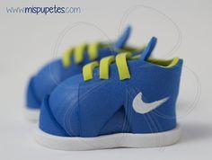 Playeros Nike para fofucho personalizado  www.mispupetes.com