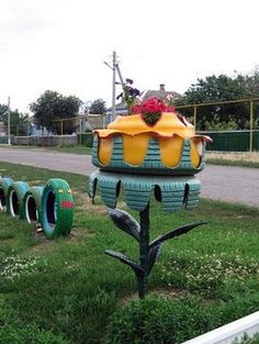 Reuse Old Tires, Reuse Recycle, Recycled Tires, Car Part Furniture, Modern Furniture, Furniture Design, Tire Craft, Tire Garden, Tire Planters