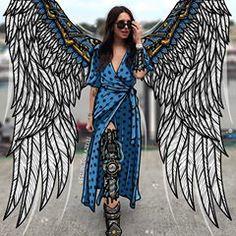Robotic Angels on Inspirationde Photography Illustration, Creative Illustration, Portrait Illustration, Angel Illustration, Editorial Photography, Artsy Photos, Draw On Photos, Creative Photos, Foto Doodle