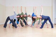 Hatha Yoga im Prana Yoga-Studio. Vor ziemlich genau einem Jahr habe ich begonnen, regelmäßig einmal...