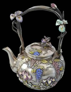 Enamel & Silver Tea Service Sealed Musashiya and Signed Masazane Japan, Meiji Period, late century - House Decorators Collection Silver Teapot, Silver Enamel, Antique Silver, Chocolate Pots, Chocolate Coffee, Teapots Unique, Teapots And Cups, My Tea, Vintage Tea