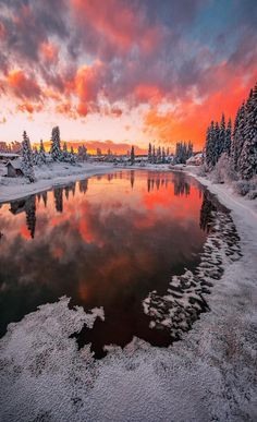 Sunset clouds over the Chena River in Fairbanks, Alaska - USA Beautiful Sunset, Beautiful World, Beautiful Places, Beautiful Pictures, Landscape Photography, Nature Photography, Natur Tattoos, Belleza Natural, Winter Scenes