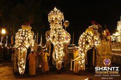 Découvrez toutes les activités les plus intenses ici #EsalaParahera #Kandy #SriLanka #Voyage