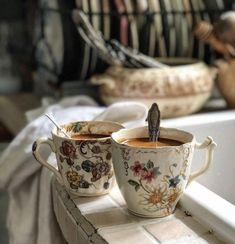 Coffee Time Jane And Wilson Coffee Chocolate Diarrhea Coffee Break, Coffee Time, Tea Time, Morning Coffee, Joe Coffee, Coffee Barista, Starbucks Coffee, Coffee Humor, Black Coffee