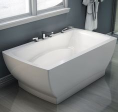 Freestanding Bathtub On Pinterest Bathtubs Bathroom Trends And Bathroom