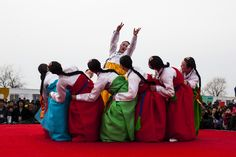South Korea traditional dance  by 최 효석, via 500px