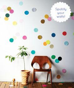 7 Year Wedding :: A Wedding Blog Full Of Easy Ideas For a Beautiful Wedding, Home and Life!: DIY Giant Confetti Wall
