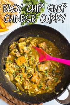 Easy chip shop Chinese curry - just like I get from my favourite Chinese chippie! The perfect healthy homemade fakeaway. Tofu Curry, Vegetarian Curry, Vegetarian Entrees, Veggie Recipes Healthy, Meatless Recipes, Tofu Recipes, Chinese Fakeaway, Easy Vegan Soup
