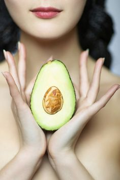 The Avocado Face Mask That Will Change Your Life | Learn about easy #homemade #face #masks http://easyhomemadefacemasks.blogspot.com/p/easy-homemade-avocado-face-masks.html