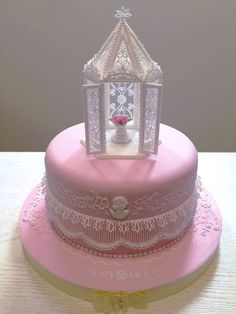 Gorgeous Royal iced and Stringwork cake.