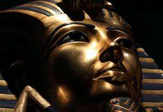 Het haar van de farao was heilig, kinderen liepen naakt rond en slaven werden met honing ingesmeerd. Wij verzamelden tien verrassende weetjes over het oude Egypte, die je wellicht nog niet kende.