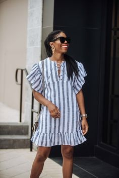 it, a shopping discovery app that allows you to instantly shop your favorite influencer pics across social media and the mobile web. Short African Dresses, African Fashion Dresses, Short Dresses, Fashion Outfits, Summer Dresses, Looks Chic, African Print Fashion, Classy Dress, Designer Dresses