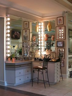 corner use of space for vanity.mirror on both sides. storage on right side