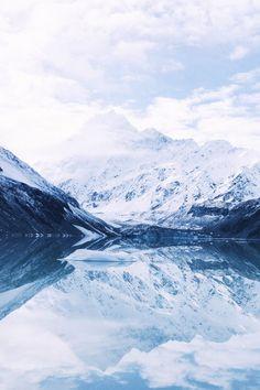Hooker Lake   Mount Cook National Park  New Zealand