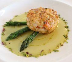 Ricetta Medaglione di gamberi con vellutata di asparagi e granella di pistacchi
