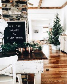 minimal holiday decor
