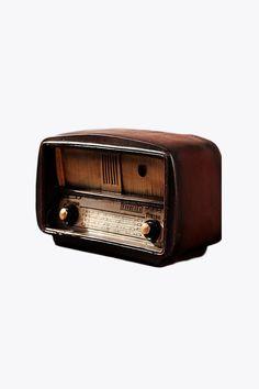 Vintage Radio Room Decor