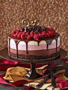 Je ne vais pas tergiverser ni ergoter sur les termes … je dis que ce Gâteau aux trois mousses est tout simplement divin ! Il vous faut absolument l'essayer, c'est une véritable «…