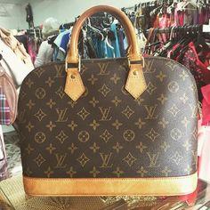 A #icônica bolsa da Louis Vuitton #Alma, que tem o designer...